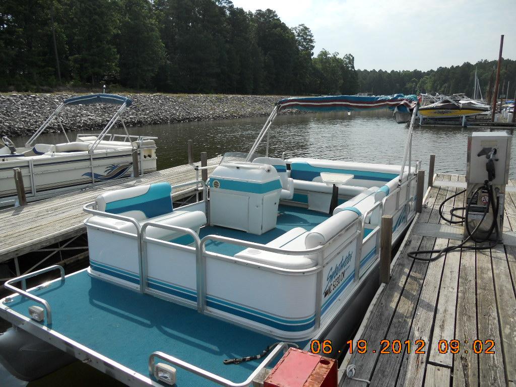 Pontoon Boat Rentals On Jordan Lake